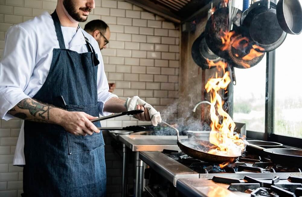 Types Of Hospitality Aprons That You Should Know